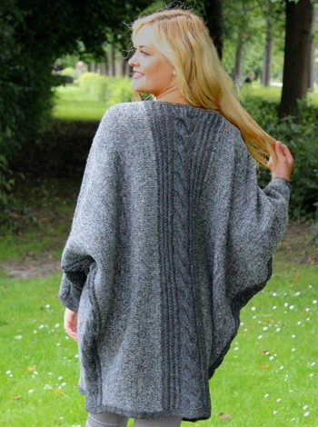 575 Poncho med snoning