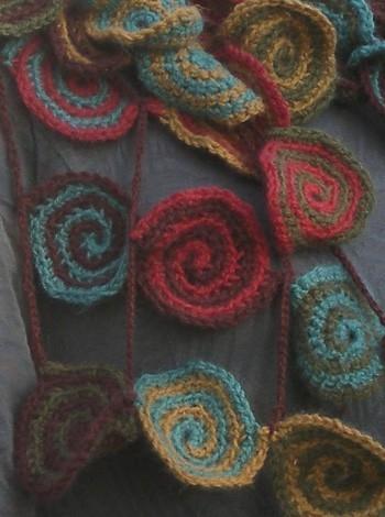 785 Tørklæde-smykke