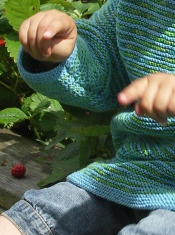 30.19 Stribet barnetrøje og hue