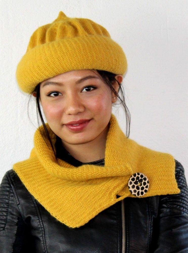 L 109-12 Hat og kort tørklæde med sildebensmønster