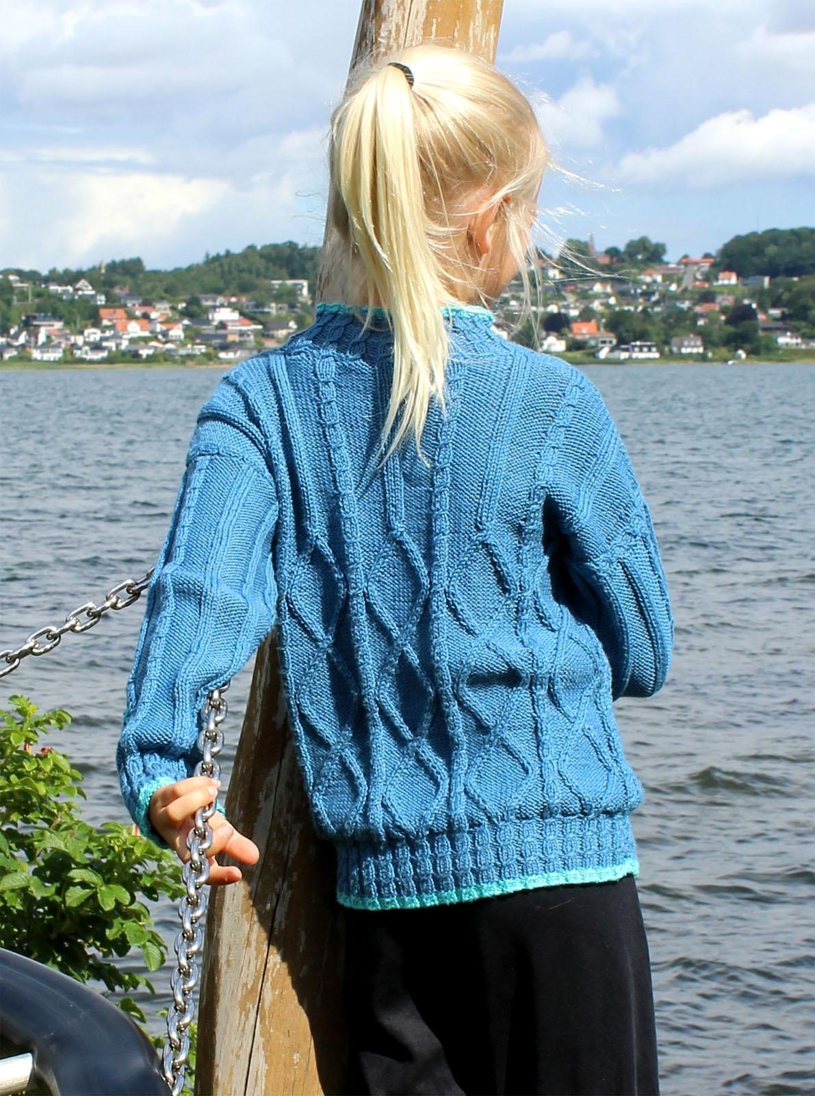 537 Sweater med rhomber og snoninger