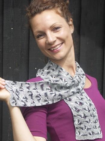 22.13 Japanske Silketørklæder, kombineret strik og hækling.